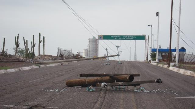 La Paz Road - Downed Lines