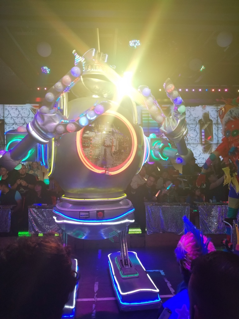 Robot Restaurant – Distance from Normal